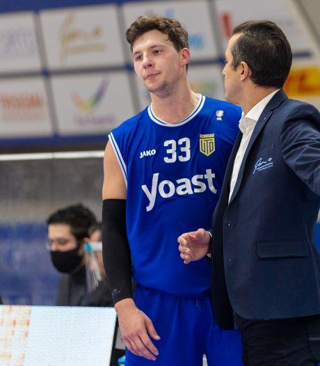 Amerikaanse basketballer in Bemmel ontdekt Hollandse roots van acht generaties geleden: 'Cool dat ik hier speel'