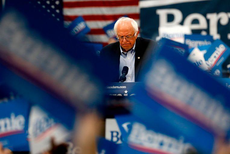 Bernie Sanders tijdens een van zijn campagnerallies.  Beeld AFP