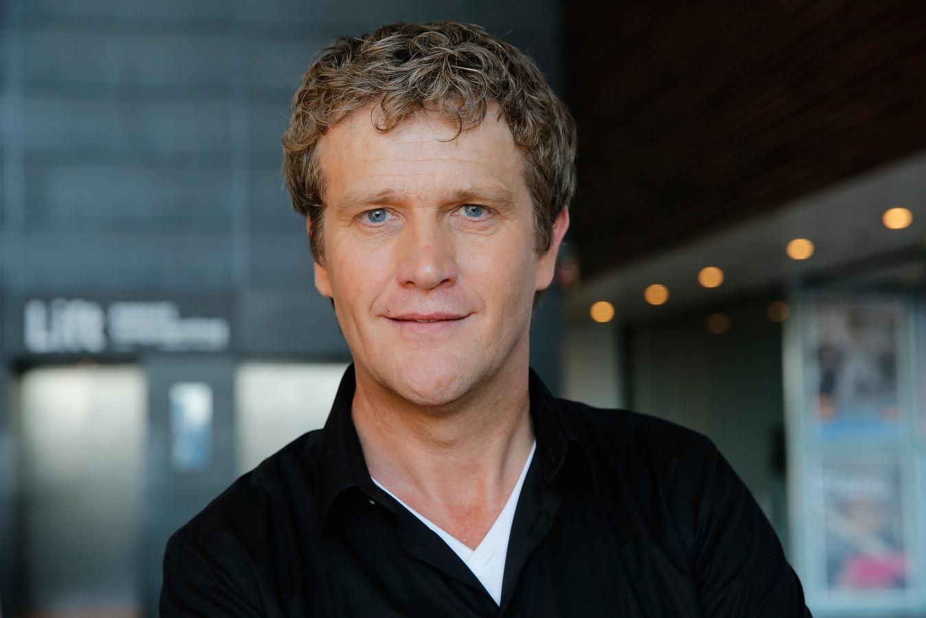 Alberto Stegeman, presentator van het televisieprogramma 'Undercover in Nederland'.