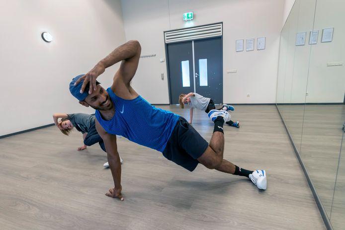 Tilburg - Pix4Profs - Joris Buijs Navin de breakdancer tijdens zijn les
