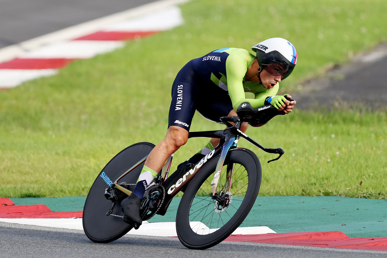 Primoz Roglic tijdens de Olympische tijdrit Beeld Getty Images