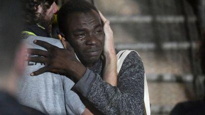 Na drie weken ellende mogen migranten eíndelijk aan wal in Italië