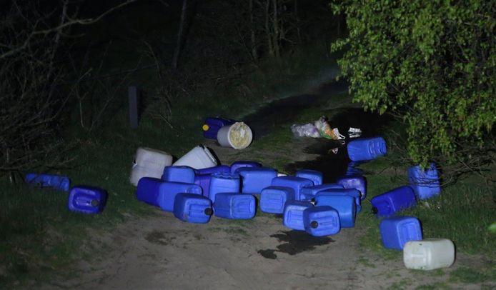 Gedumpt drugsafval in het buitengebied van chijndel.