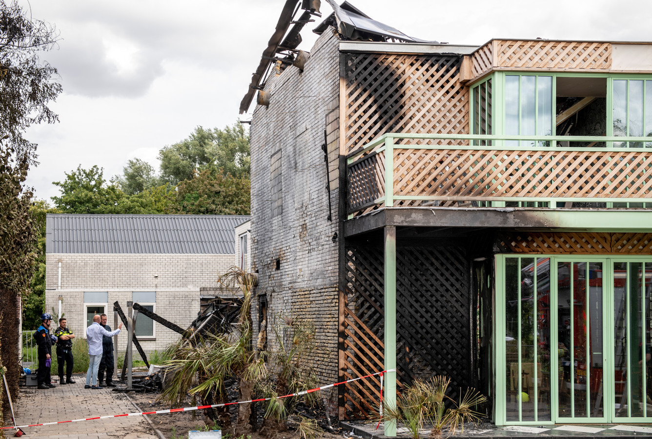 Hotel Marie is begin augustus grotendeels afgebrand.