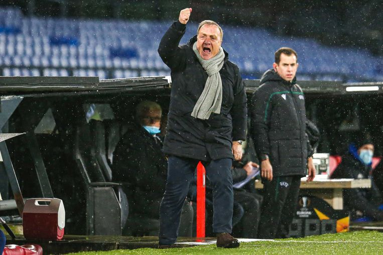 Dick Advocaat tijdens de UEFA Europa League-wedstrijd tussen Feyenoord en Dinamo Zagreb. Beeld ANP