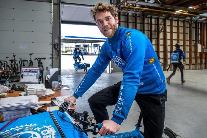 Tobias Molenaar (35) is mede-eigenaar van Fietskoerier Utrecht.
