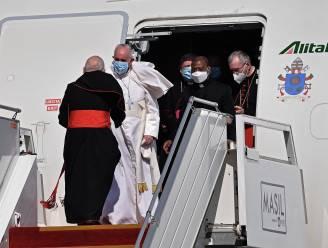"""Paus geland in Bagdad voor driedaags bezoek aan Irak: """"Ik ben blij te kunnen reizen"""""""