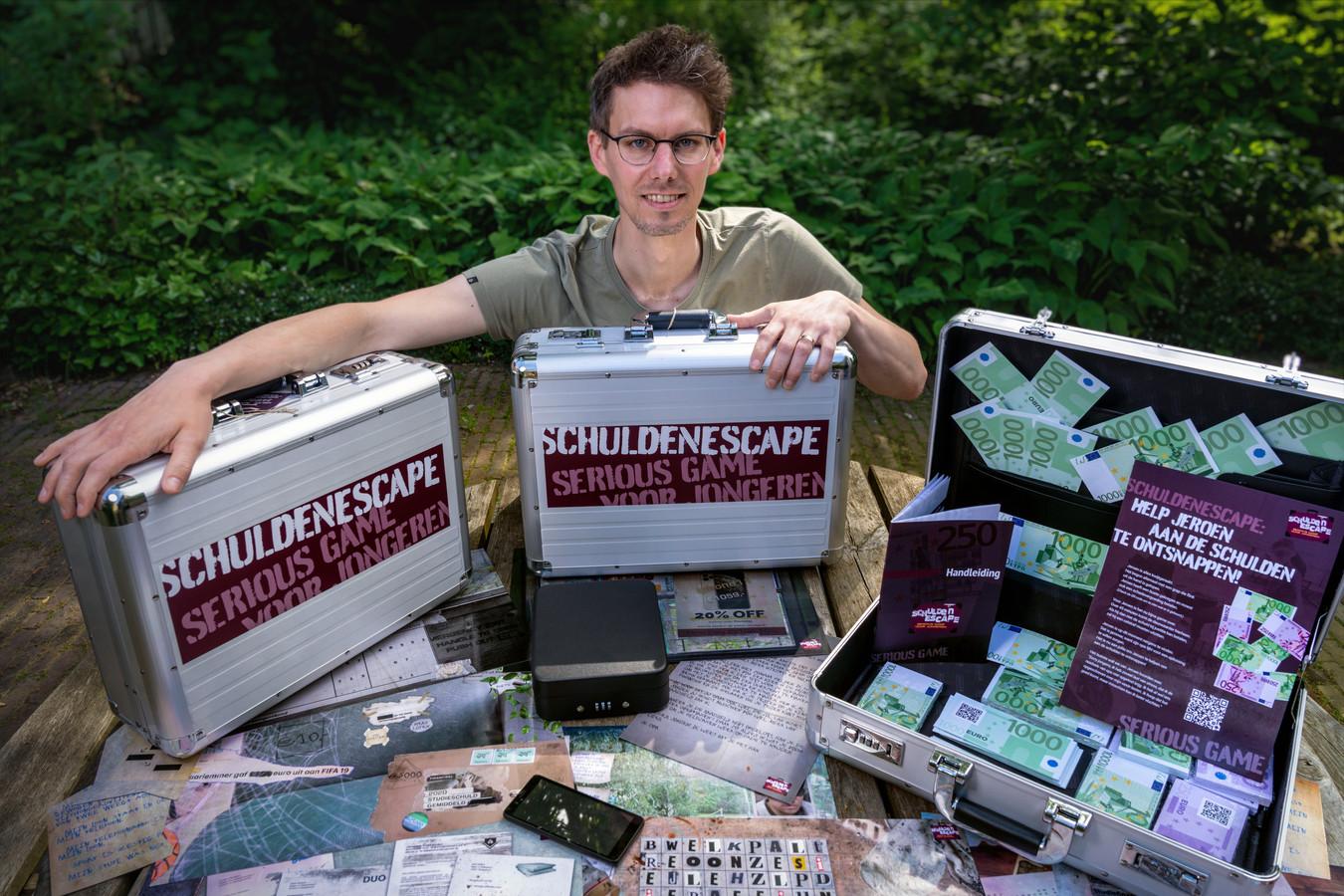 John Wildenberg met zijn escapespel dat jongeren wijst op de risico's van schulden.