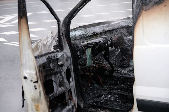 Het bestuurdersgedeelte is total loss door de brand.