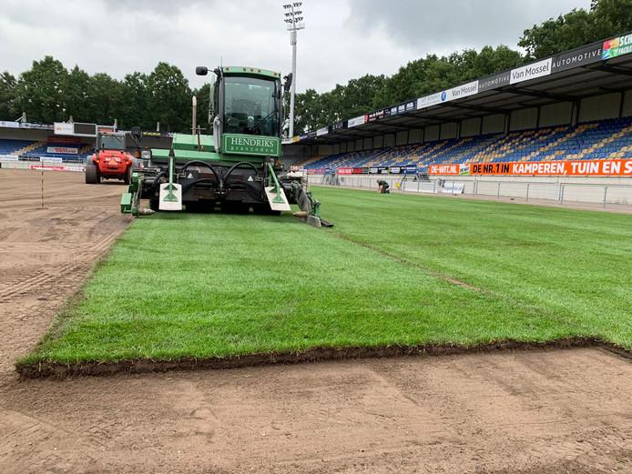 Echt gras in het Mandemakers Stadion