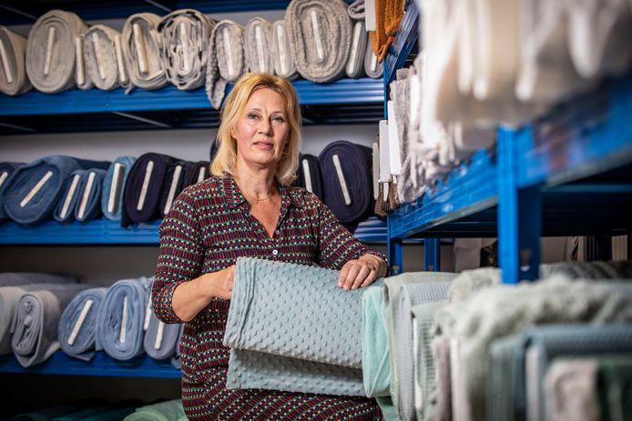Jenny Knol had altijd stoffenwebshop, maar is nu ook fysieke winkel begonnen: Dekkers Stoffen.
