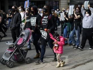 Duizenden demonstreren in Minneapolis op dag voor proces tegen agent die George Floyd doodde