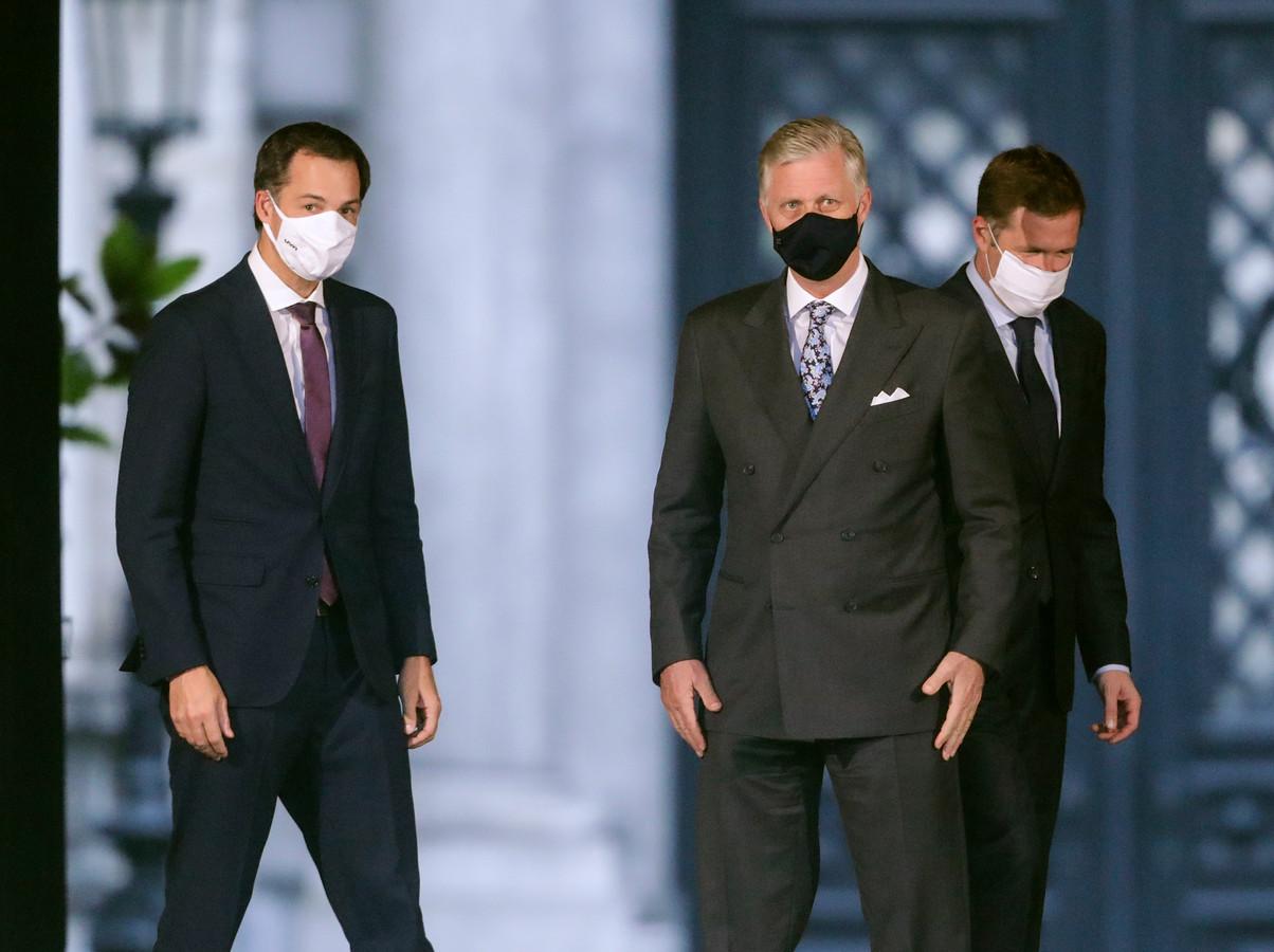 De nieuwe premier van België, de Vlaamse liberaal Alexander De Croo (44), bij koning Filip.  De Croo gaat de nieuwe federale regering van zeven partijen leiden. Het is negen jaar geleden dat België een Nederlandstalige premier had.