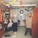 Lies en Albert begonnen de kapperszaak in 1961. De dames werden gekapt door Lies en Albert knipte de heren.