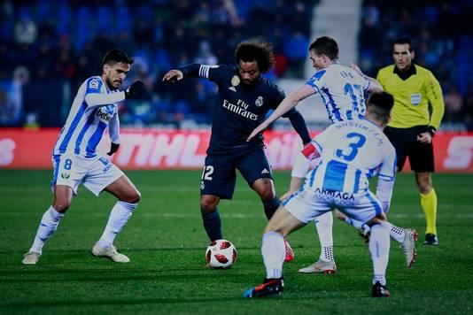Marcelo in duel met het Leganes-trio José Luis edel Pozo, Javier Eraso en Unai Bustinza.