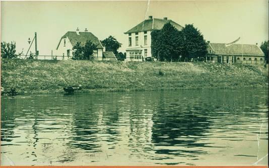 Het veerhuis van de Burgeu in 1939.