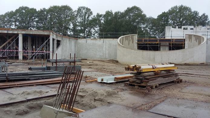 In aanbouw zijnde zorghotel bij De Zwanenhof.