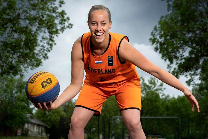 Nederland,  Waalwijk, oranje international basketbalster Jacobine Klerx