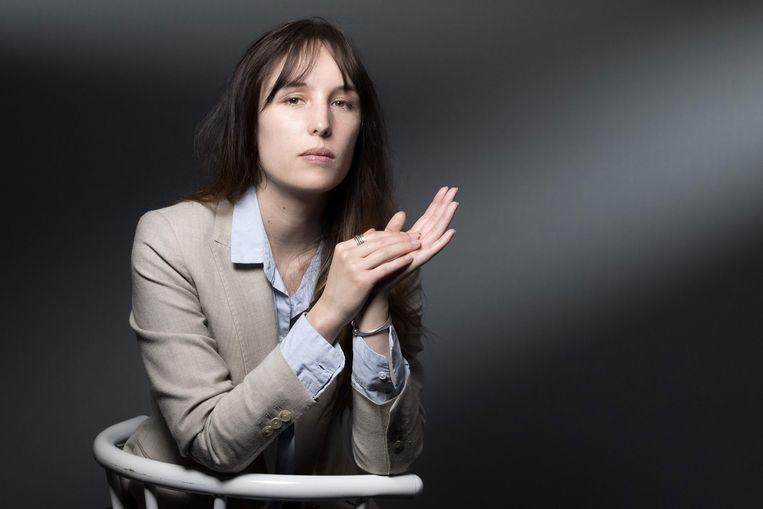 De Franse schrijfster Victoria Mas. Bijzondere stilistische kwaliteiten heeft haar proza niet, maar daar staan veel rake observaties tegenover. Beeld AFP
