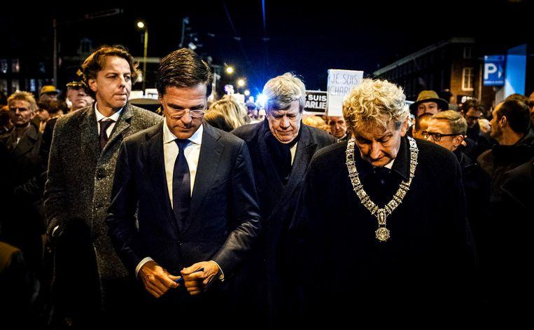 Met onder anderen premier Rutte bij een demonstratie na de aanslagen in Parijs Beeld ANP