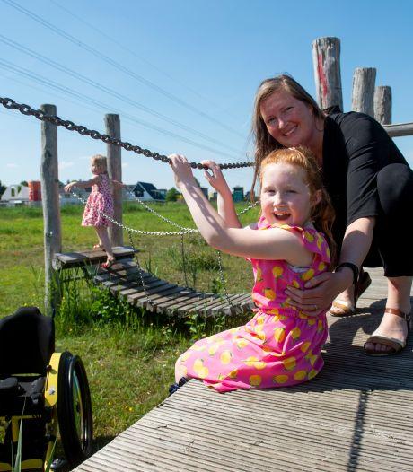 700 kilometer wandelen om naar handicapvriendelijke speeltuin te kunnen: Willemijn doet het voor dochter Naomi (6)