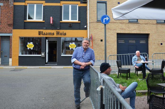 Dany Goessens aan het Vlaams Huis van Forza Ninove in de Pamelstraat.