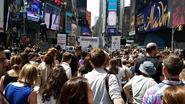 Sterk statement: Meer dan een ton ivoor vernietigd op Time Square in New York