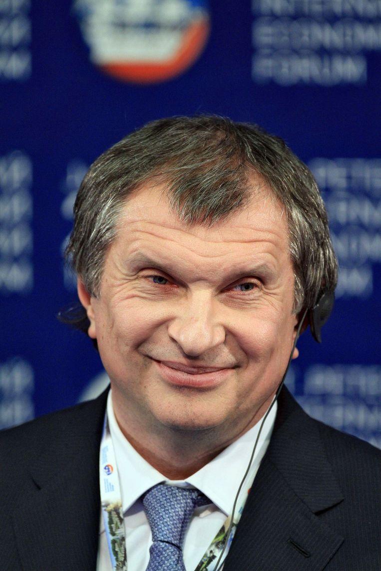 Rosneft-baas Igor Sechin (56) is een vertrouweling van Poetin. Hij overlegde in juni in het grootste geheim met Trumps veiligheidsadviseur Carter Page. Beeld Photo News