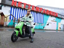 Groene deelscooter verspreidt zich door Deventer: 'We verwachten commentaar in eerste dagen'