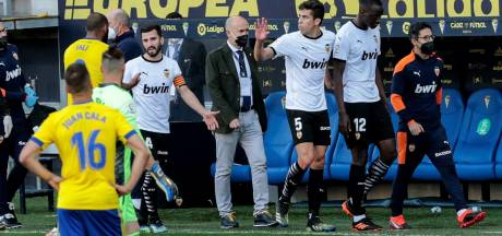 Valencia slaat hard terug naar Cala na vermeend racisme, verdediger spreekt van 'lynchpartij'