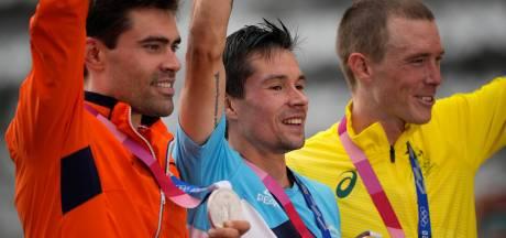 Tom Dumoulin herrijst met prachtig zilver in tijdrit: 'Ik ben heel trots'