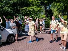 Reisondernemers te voet naar Den Haag om petitie aan te bieden, 'Code rood voor de reisbranche'