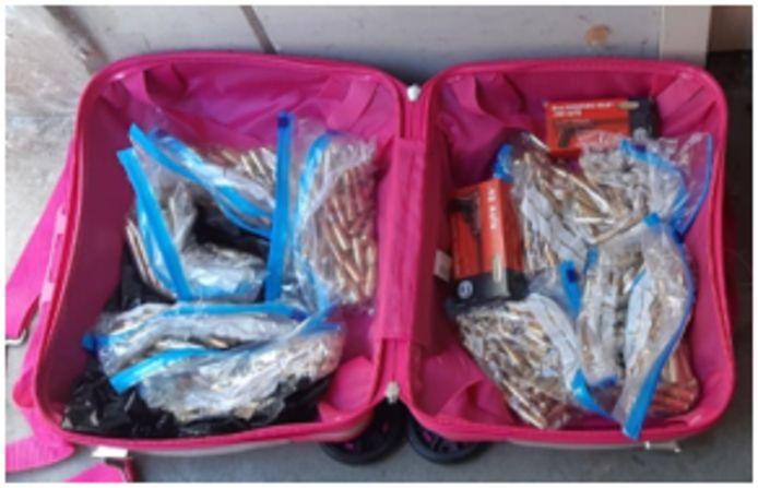 De politie trof munitie aan bij meerdere doorzoekingen.