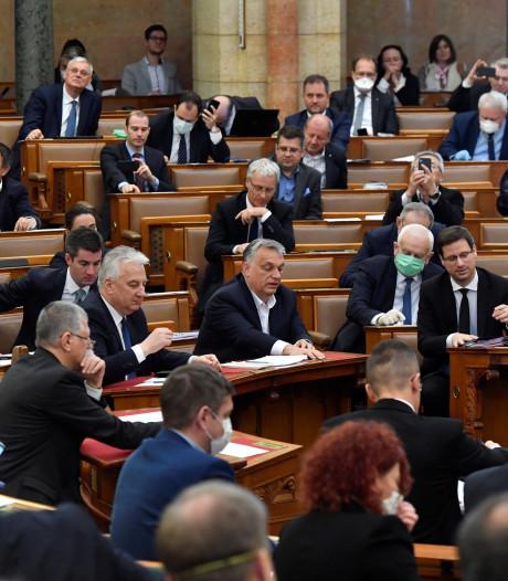 Premier Hongarije grijpt coronacrisis aan om persvrijheid in te perken