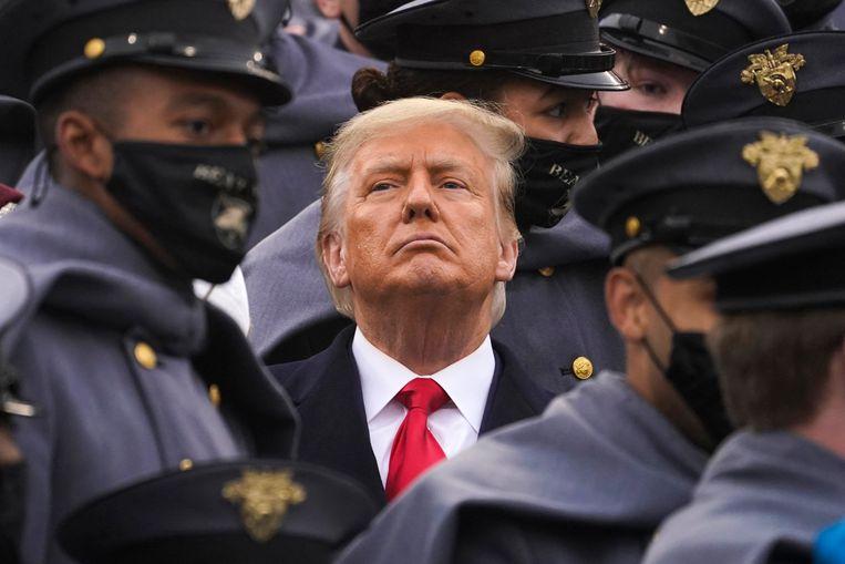 President Trump op bezoek bij het opleidingscentrum van de marine. Beeld AP