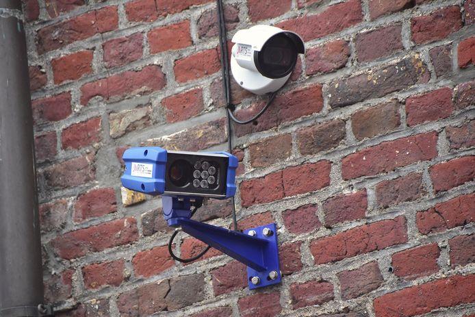 Wie met de wagen over de Markt van Tielt rijdt, riskeert een gas-boete van 58 euro. Een bewakingscamera registreert de overtreders.