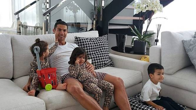 Ronaldo's luxeappartement in Funchal krijgt inbreker over de vloer, maar buit is mager: gehandtekend shirt