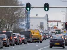 Sluiting Sloebrug in Vlissingen zorgt voor lange file: vertraging tot een uur