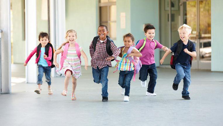 De periodes dat hun kinderen vrij zijn zorgen voor opvangstress bij hun ouders. Beeld thinkstock
