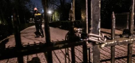 Amsterdam wil herhaling drukte in Vondelpark voorkomen, minder ingangen open vandaag