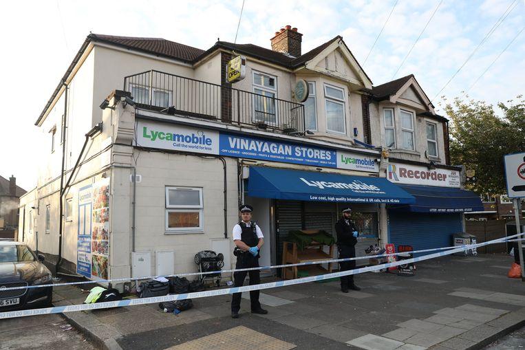 Het is nog onduidelijk wat er precies is gebeurd in de woning in de wijk Ilford, in het oosten van de stad.