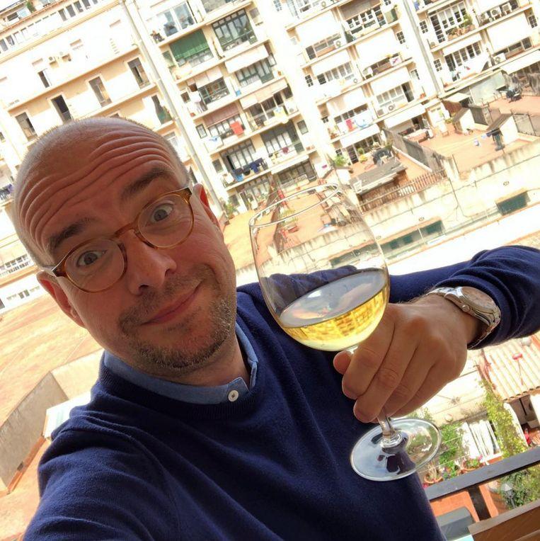 Sven Ornelis post regelmatig foto's van zijn tripjes naar Barcelona op zijn Instagram. Nu wil hij de uitstoot compenseren. Beeld RV - Instagram Sven Ornelis