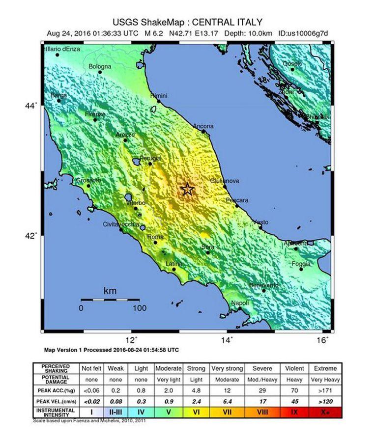 Op een kaart is precies te zien waar het epicentrum van de aardbeving ligt. Beeld anp