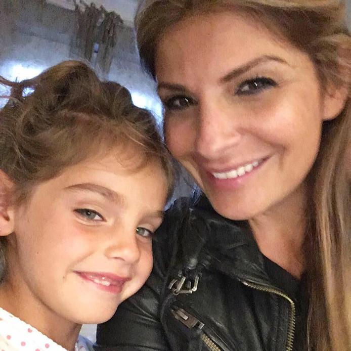 Ellie was samen met haar 4-jarige dochter naar Dubai gereisd.