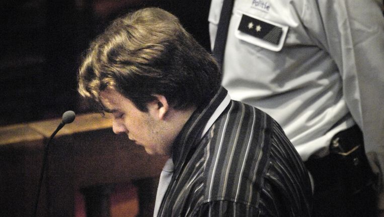 Hans Van Themsche op zijn assisenproces in oktober 2007. Hij kreeg levenslang voor zijn moordende raid. Beeld Belga