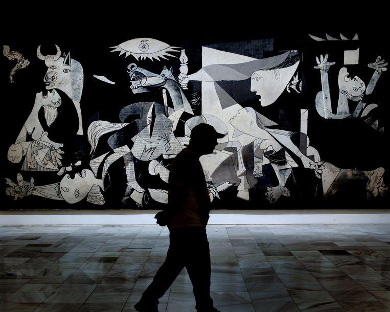 'Guernica'. De kopie van dit schilderij van Picasso in het VN-gebouw in New York moest worden afgedekt toen de VS daar in 2003 de oorlog aan Irak verklaarden. Beeld Hollandse Hoogte / Sime s.r.l.