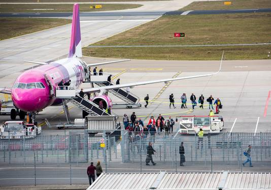 Wizzair is zo'n beetje de enige maatschappij die nog vliegt op Eindhoven Airport.