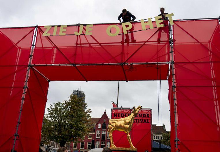 Het Grote Gouden Kalf op de Neude voorafgaand aan het Nederlands Film Festival (NFF).  Beeld ANP