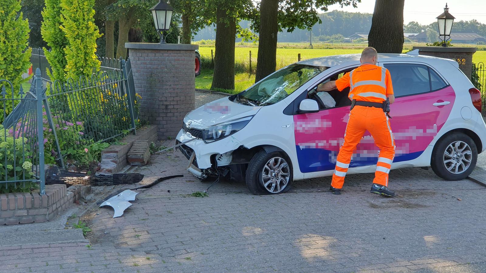 De vrouw ramde een tuinhek op de N223 bij Rhenen