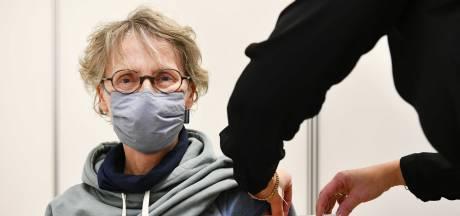 """Pourquoi la Belgique a finalement opté pour une limite d'âge au vaccin AstraZeneca: """"Les ministres francophones ont particulièrement insisté"""""""